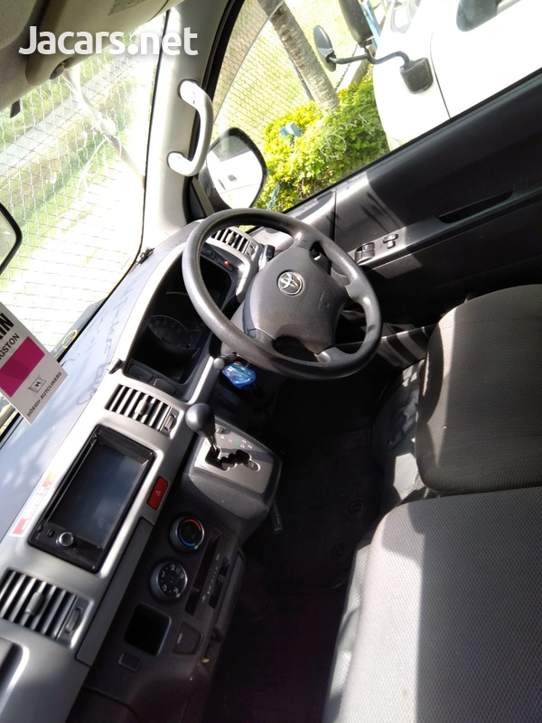 Toyota Hiace 3,0L 2012-5