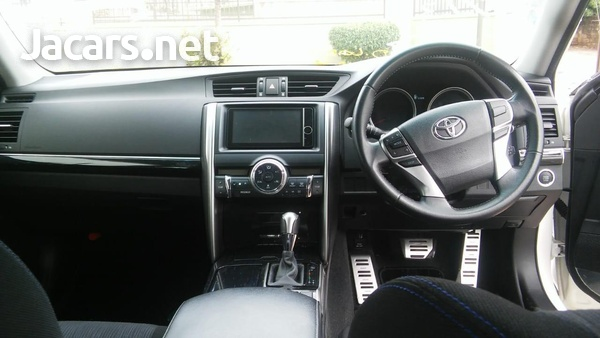 Toyota Mark X 2,5L 2013-7