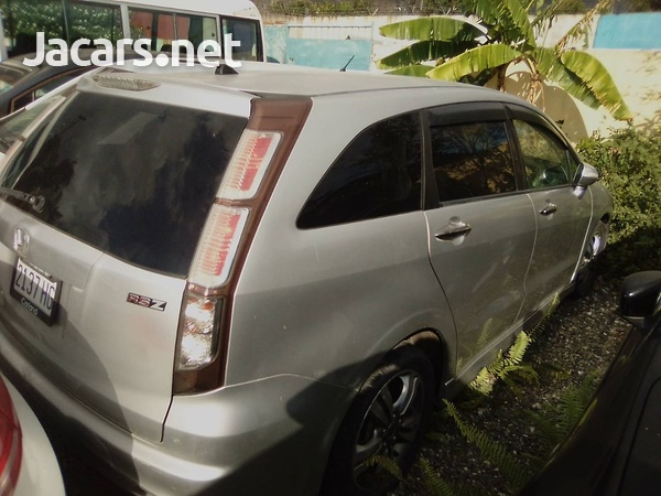 Honda Stream 1,8L 2011-7