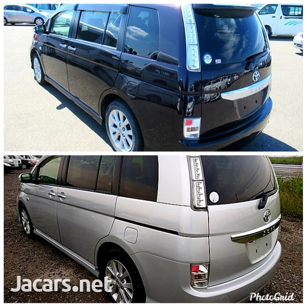 Toyota Isis 2,0L 2012-4