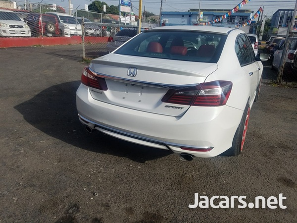 Honda Accord 2,4L 2017-4