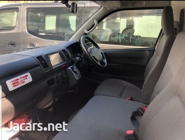 Toyota Hiace 2,0L 2016-7