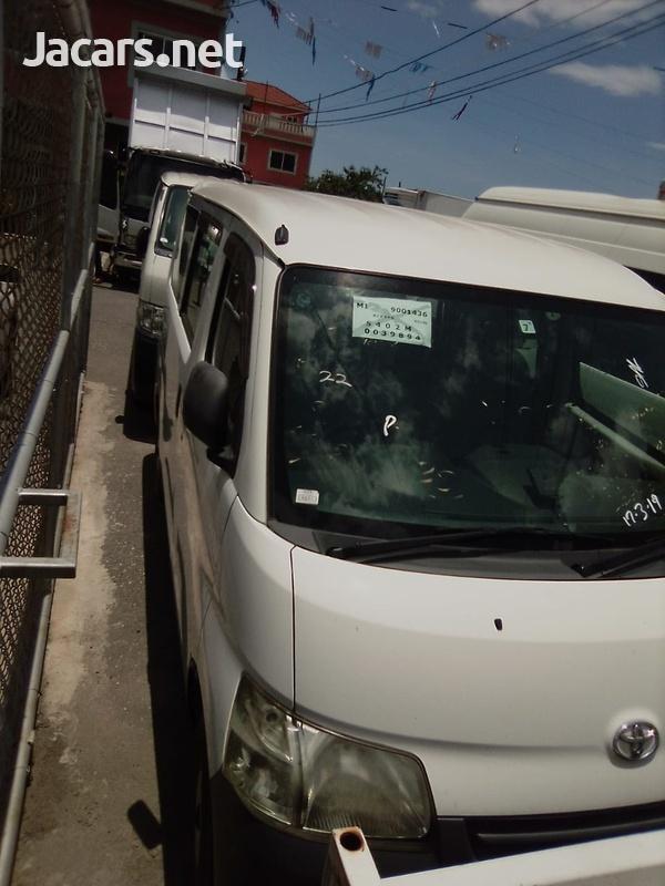 2013 Toyota Townace-1