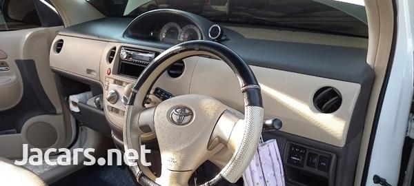 Toyota Sienta 1,5L 2014-5