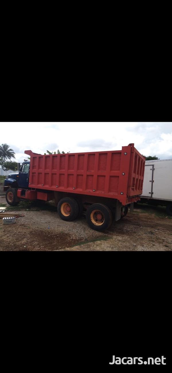 1996 International truck-1