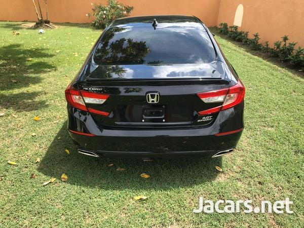 Honda Accord 2,0L 2018-3