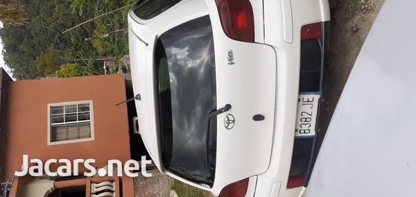 Toyota Vitz 1,0L 2004-3