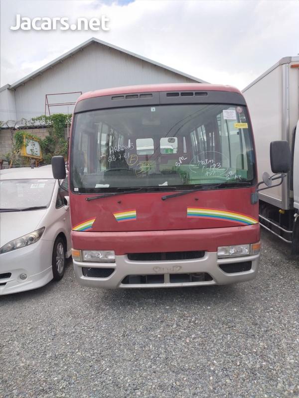 2004 Nissan Civillian-1
