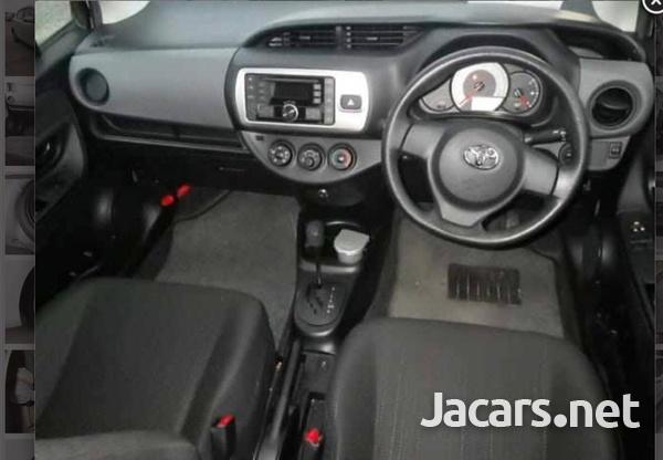 Toyota Vitz 1,3L 2015-5