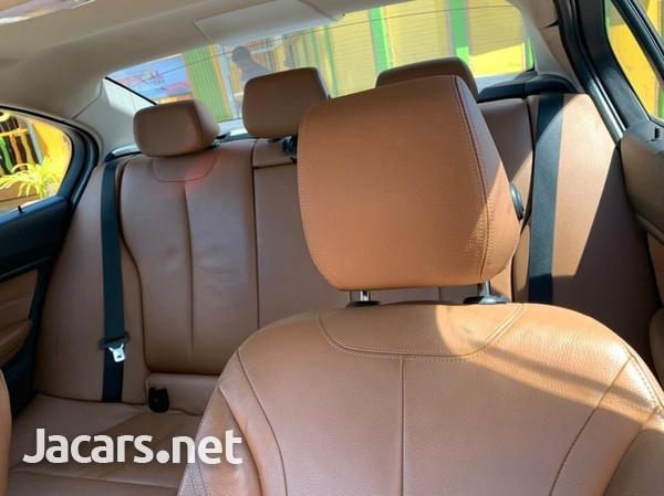 BMW 3-Series 3,0L 2013-5