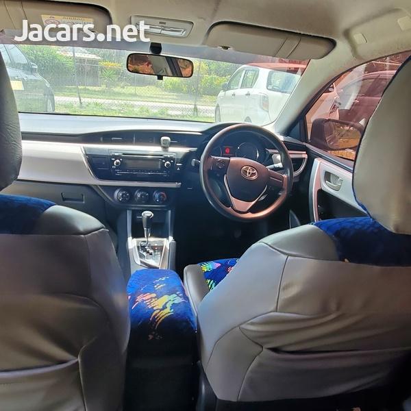 Toyota Corolla Altis 1,9L 2014-7