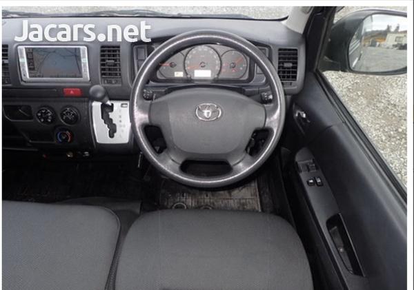 Toyota Hiace Van 3.0 2017-10