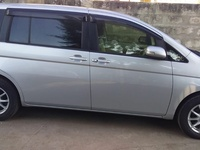 Toyota Isis 1,5L 2013