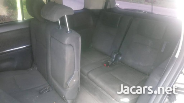 Toyota Isis 2,1L 2012-2