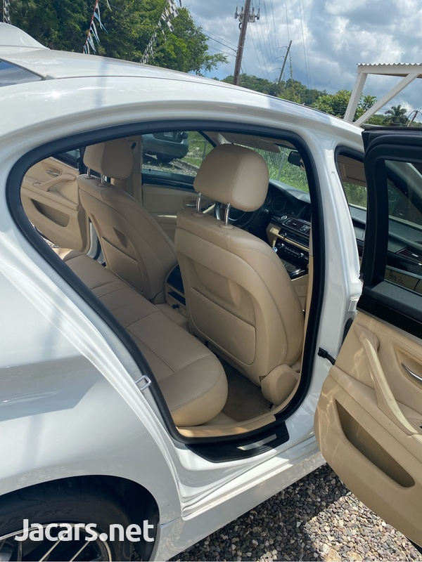 BMW 5-Series 2,5L 2015-4