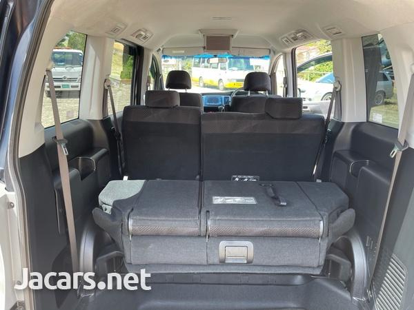 2012 Honda step wagon spada-8