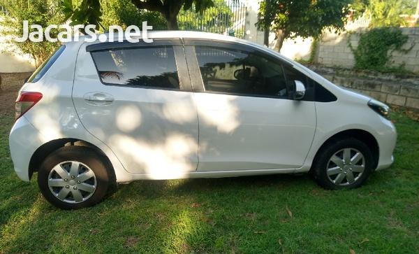 Toyota Vitz 1,3L 2013-7