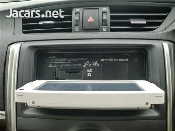 Toyota Mark X 1,8L 2013-3