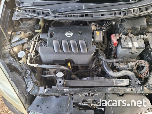 Nissan LaFesta 2,0L 2009-3