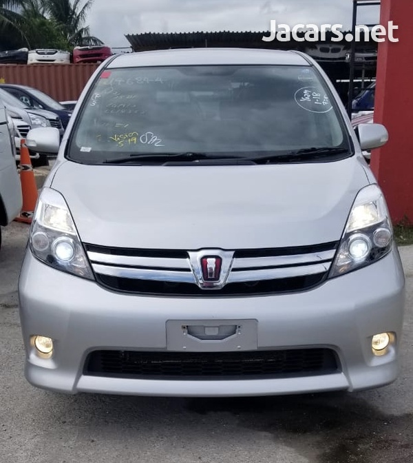 Toyota Isis 1,8L 2014-3