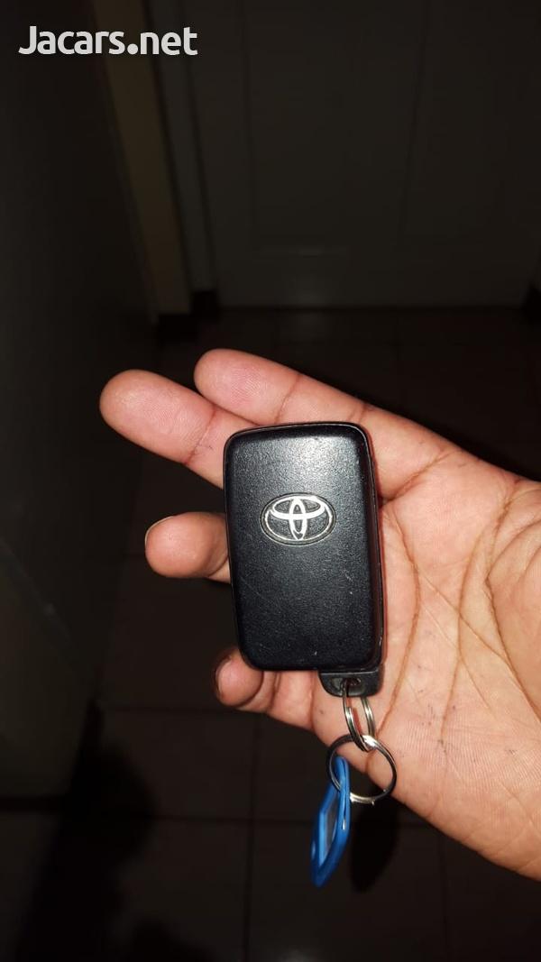 Toyota Vitz 1,0L 2011-5