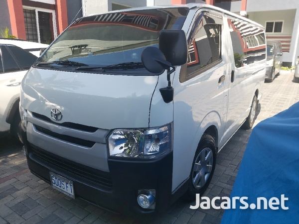 Toyota Hiace Bus 2,2L 2017-4