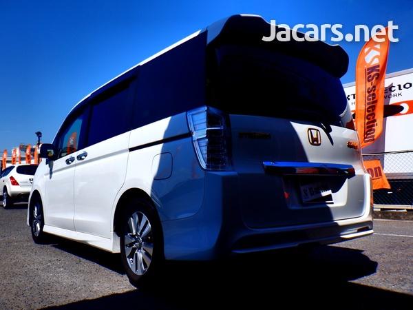 Honda Stepwgn Spada 1,8L 2012-4