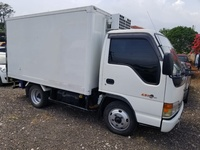 2002 Isuzu Freezer Body Truck