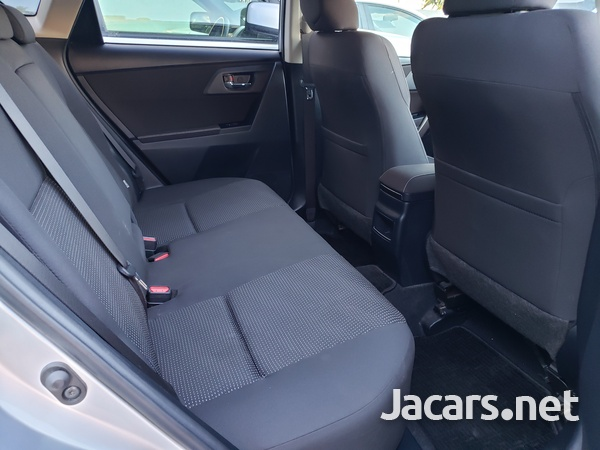 Toyota AURIS 1,5L 2013-5
