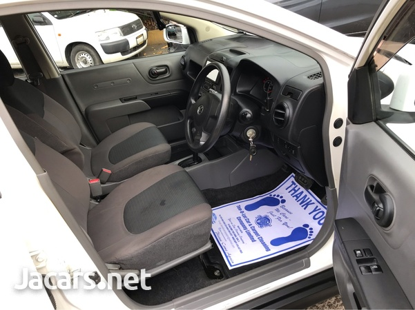 Mazda Familia 1,5L 2016-5