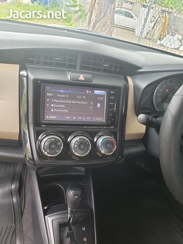 Toyota Axio 1,2L 2015-3