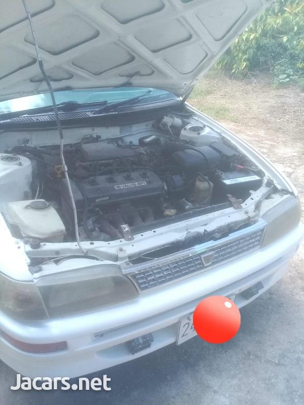 Toyota Corolla 3,0L 1998-7