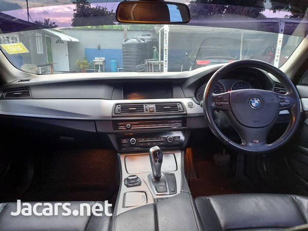 BMW 5-Series 2,5L 2011-2