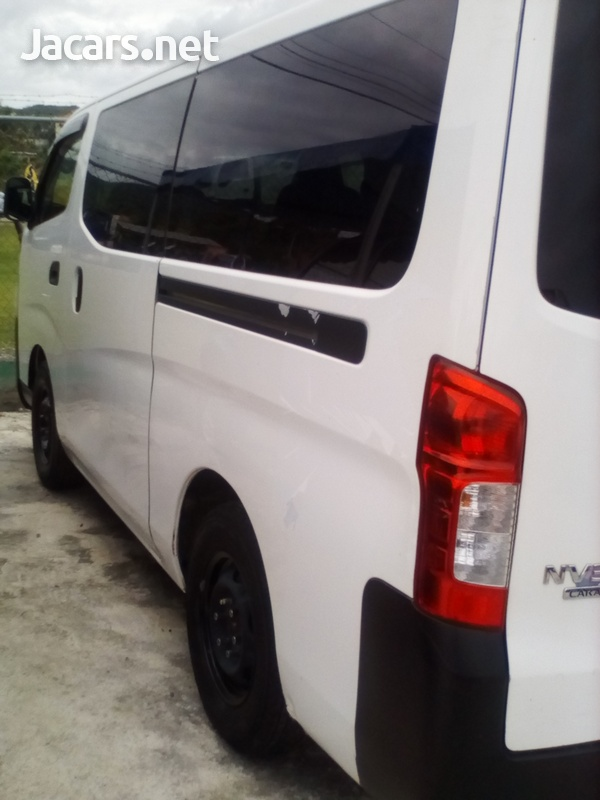 2013 Nissan caravan-5