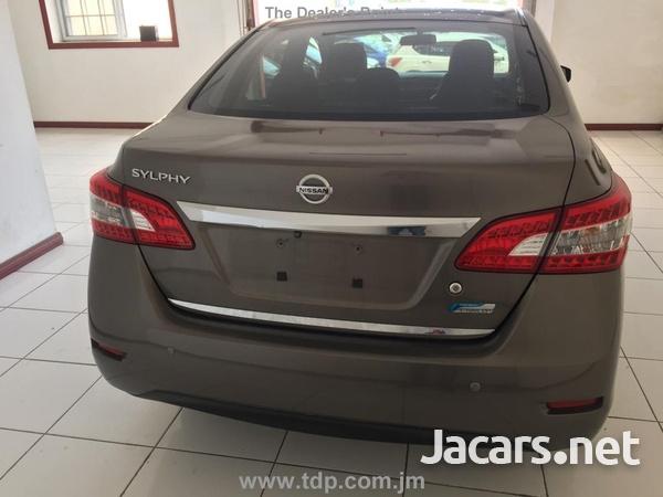 Nissan Sylphy 1,6L 2014-3
