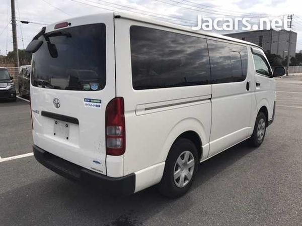 Toyota Regius Ace/Hiace-7