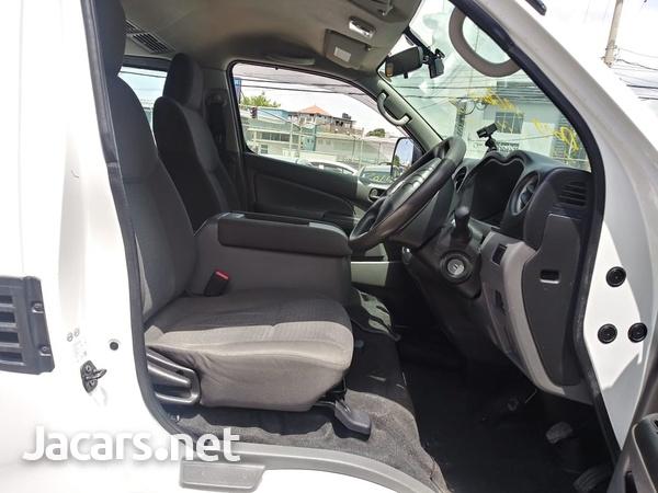 Nissan Caravan 2,3L 2015-5