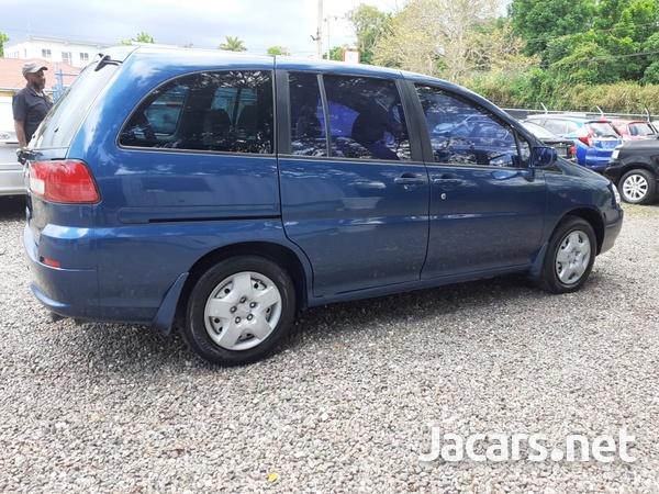 Nissan Liberty 2,0L 2000-3