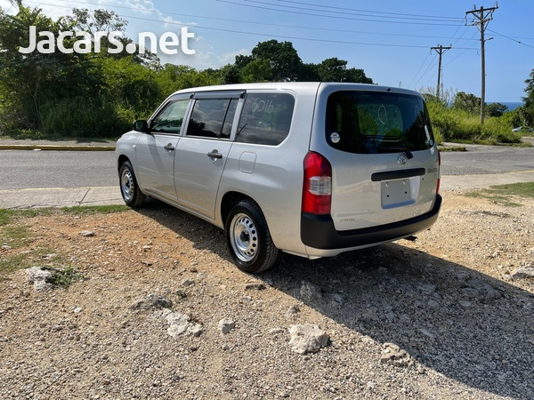 Toyota Probox 1,3L 2018-3