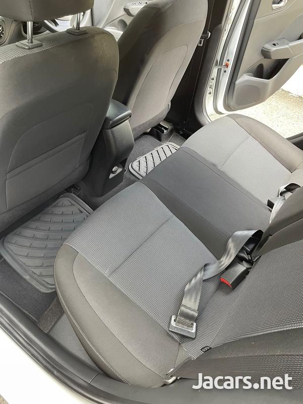 Hyundai Accent 1,5L 2019-8