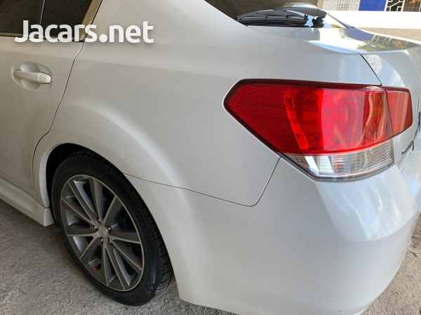 Subaru Legacy 2,0L 2013-8