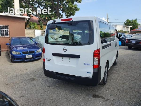 Nissan Caravan 2,5L 2015-2