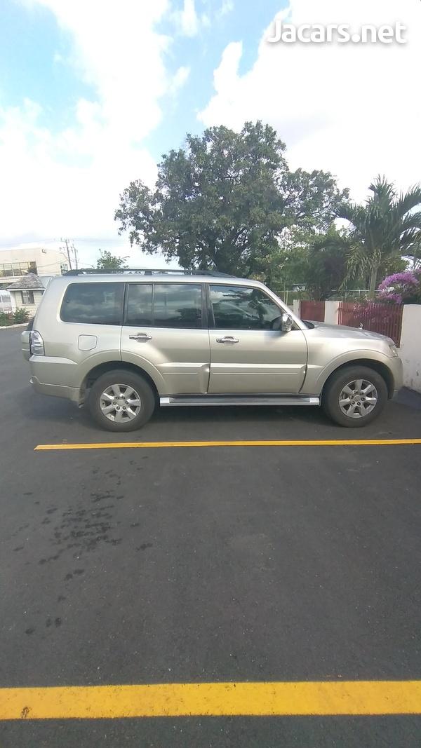 Mitsubishi Pajero 3,0L 2014-4