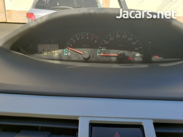 Toyota Belta 1,3L 2012-6