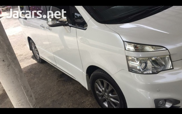 Toyota voxy very clean ...mint condition-1
