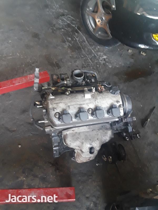 Honda D17 Engine strip-3