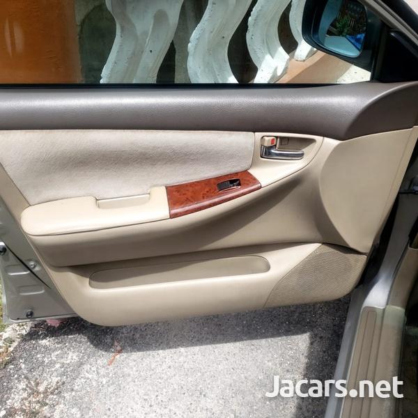 Toyota Corolla 3,9L 2001-2