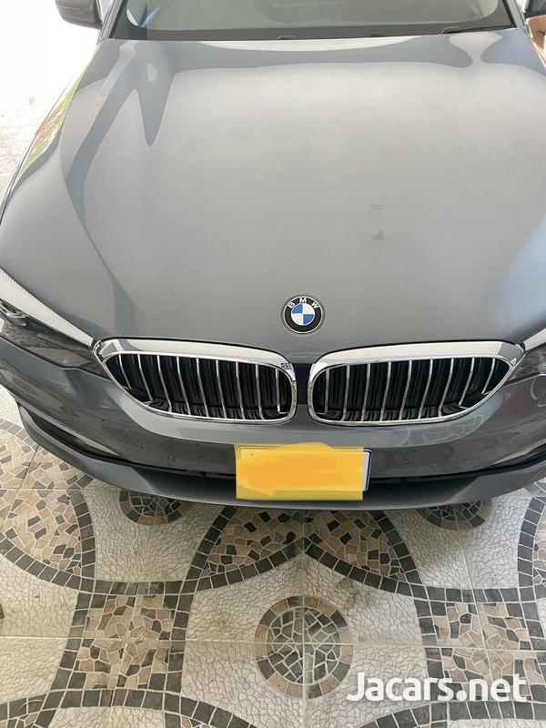 BMW 5-Series 2,0L 2017-1