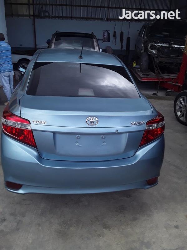 Toyota Yaris 1,8L 2014-3