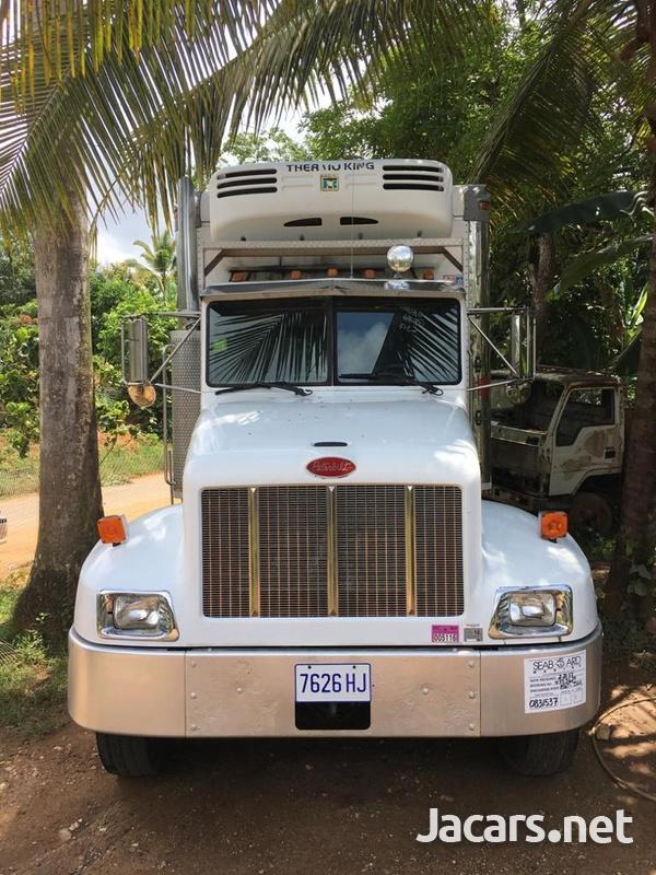 Perterbilt Truck-2